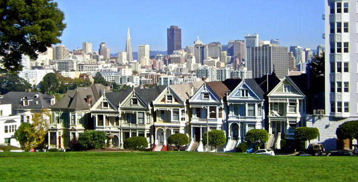 The Painted Ladies of San Francisco Victorian Houses at Alamo Square