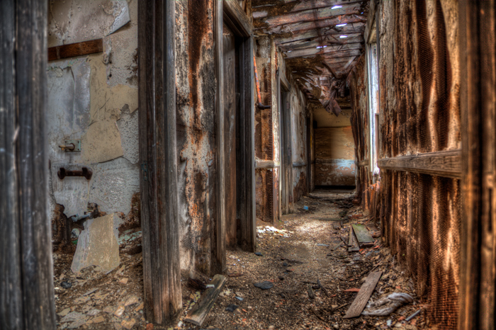 Abandoned Hallway – Urban Exploration
